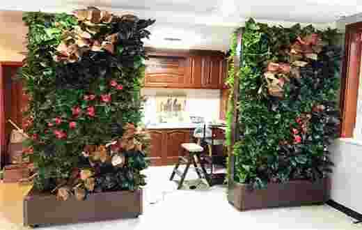 植物墙厨房隔断案例